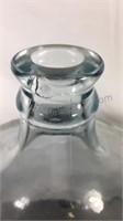 5 gallon glass jug has lip chip