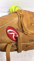 Rawlings ball mit right hand thrower