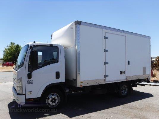 2008 Isuzu NPR 300 Raytone Trucks - Trucks for Sale