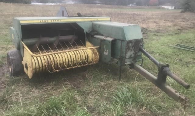 John Deere 336 Square Baler | Kraft Auction Service
