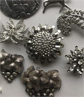 Grouping of Ladies Antique Brooches