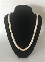 Vintage Ladies Pearl Necklace