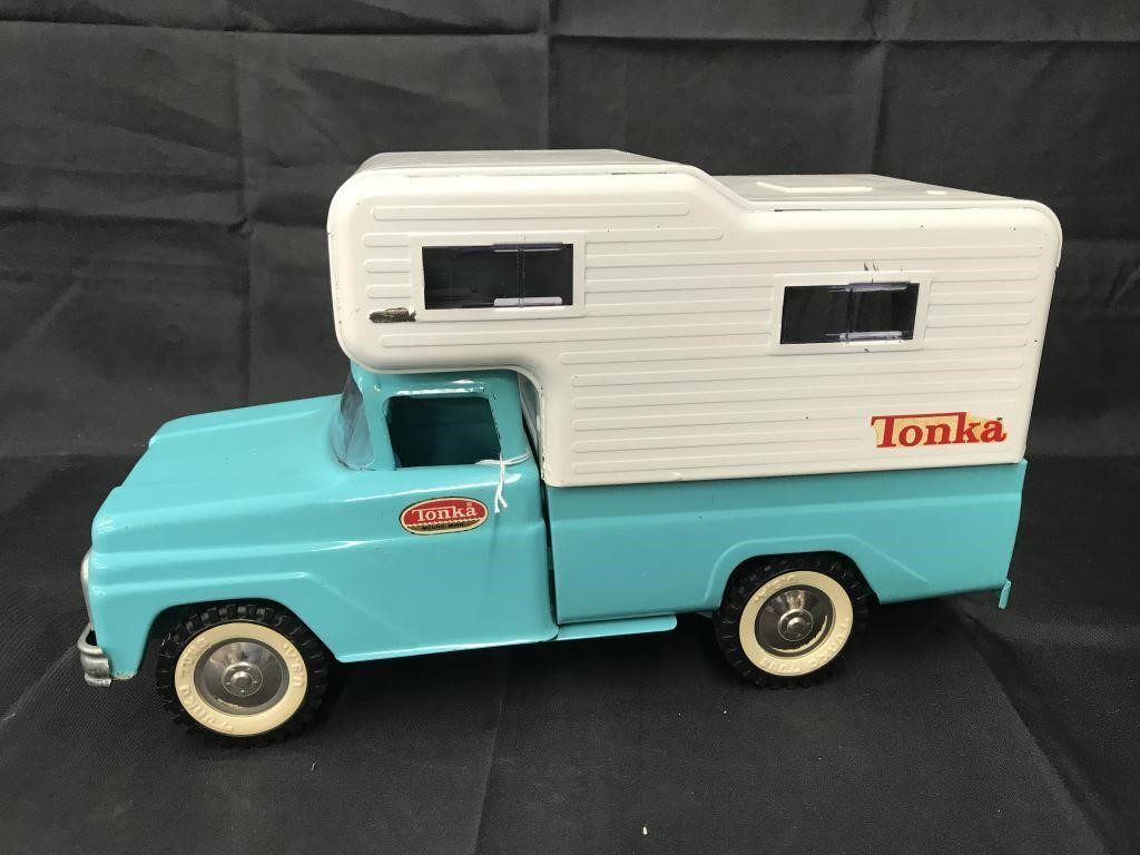 Tonka 530 Pickup Truck with Camper | Philip Weiss Auctions