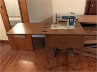 Brother sewing machine with cabinet