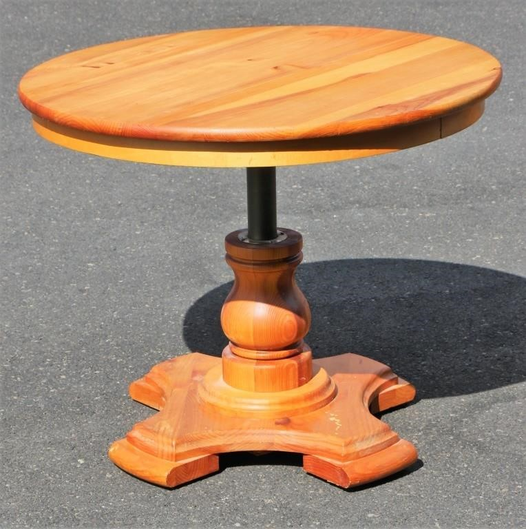 3 Wide Yield House Pine Adjule Table Al S Auction