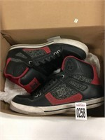 DC MENS SHOES SZ 10(USED)