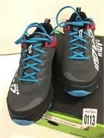 INOV SHOES SIZE 9.5W (MISSING INSOLE)