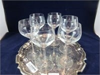 TRAY: 6 CRYSTAL WINE GLASSES