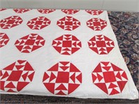 HANDMADE RED & WHITE OCTAGONAL PATTERN QUILTS
