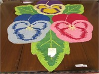 PANSY FLORAL HOOKED RUG