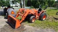 Kubota LA3400 tractor w/ LA463 loader | William Kent Inc