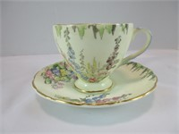 TRAY: 7 CUPS & SAUCERS