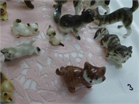TRAY: APPROX. 20 MINIATURE CHINA CATS