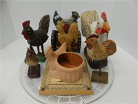 TRAY: WOODEN & OTHER ROOSTER DECOR PIECES