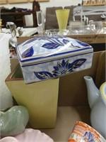BOX: ASSORT. CHINA & POTTERY PCS.