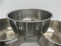 SET OF 6 VINTAGE STAINLESS STEEL BOWLS