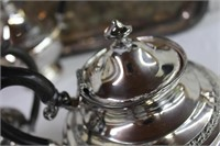 WM.Rogers 6 piece tea service, coffee pot, teapot