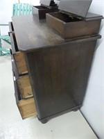 ANTIQUE 4 DRAWER DRESSER W/MIRROR & GLOVE BOXES