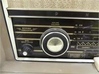 PHILIPS 1265 TUBE STYLE RADIO