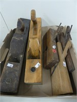 BOX: WOODEN BLOCK PLANES & MOULDING PLANES