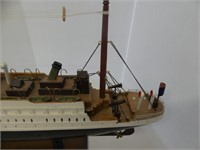 "24"" TITANIC WOODEN SHIP"