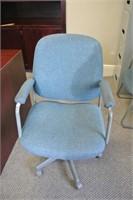 Fabric Armed Swivel Desk Chair