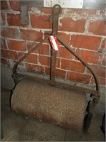 """34"""" x 18"""" Concrete Filled Lawn Roller"""