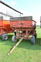 Turnco #225-275 Gravity Wagon on Gear