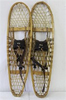 """Pair of snow shoes made in Quebec 37"""""""