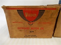 LOT OF 3 OIL COMPANY BOXES + 2 IMP. QTS OF OIL