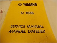 LOT OF 4 YAMAHA SNOWMOBILE SERVICE & MANUALS