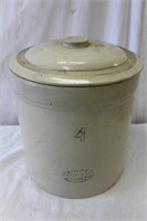 Medalta #4 crock with lid (chips see pictures)
