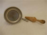 EARLY WEAR EVER STRAINER WITH WOODEN  PESTILE