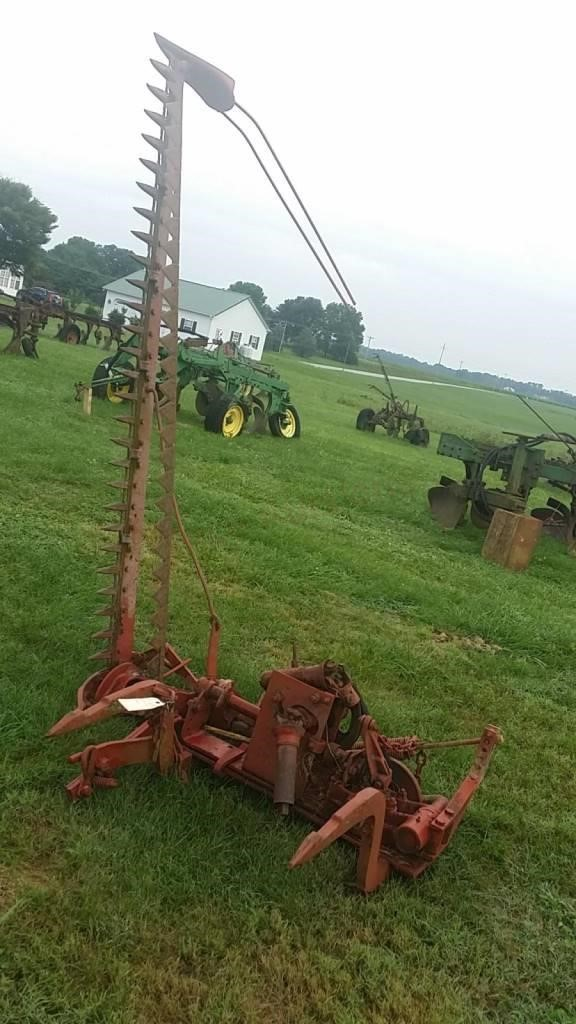 IH Fast Hitch Sickle Bar Mower | Trice Auctions