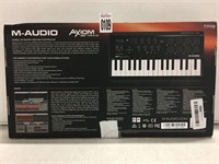 M-AUDIO AXIOM MOBILE KEYBOARD & PAD CONTROLLER