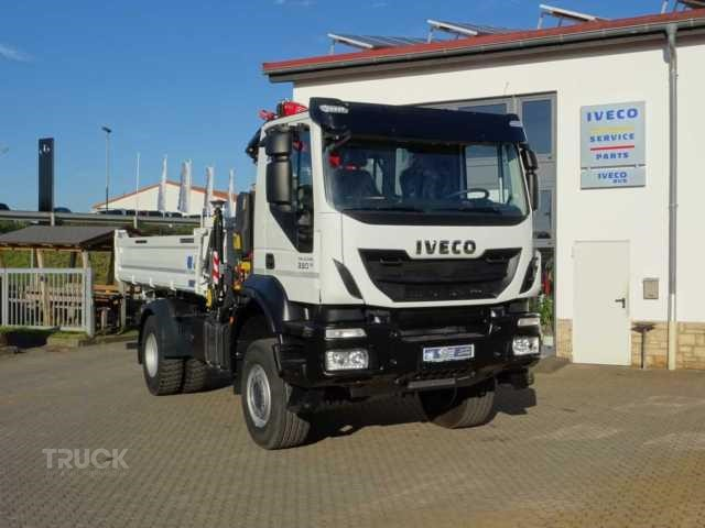 IVECO TRAKKER 330