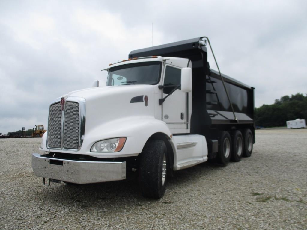 2010 KENWORTH T660 Triaxle Dump truck   Graber Auctions