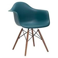 MOLDED PLASTIC CHAIR (NOT ASSEMBLED)
