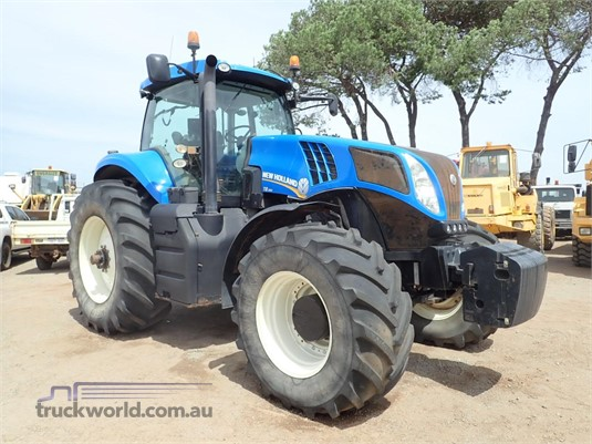 2013 New Holland T8.390 - Farm Machinery for Sale