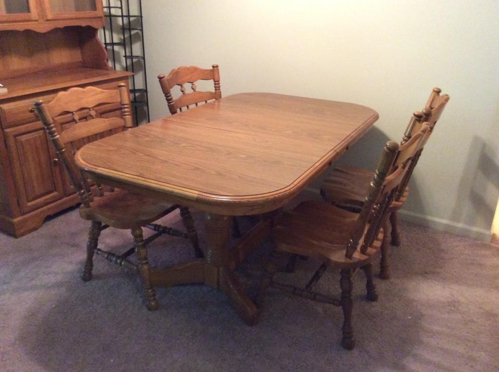 Cochrane Dining Table & Chairs | Midland Bid Junkies
