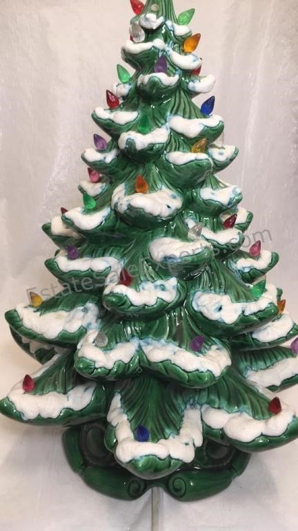 Vintage Ceramic Light Up Christmas Tree Estatesaleexperts Com