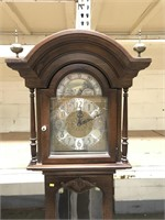 Howard Miller grandfather clock | MTC Online Auctions
