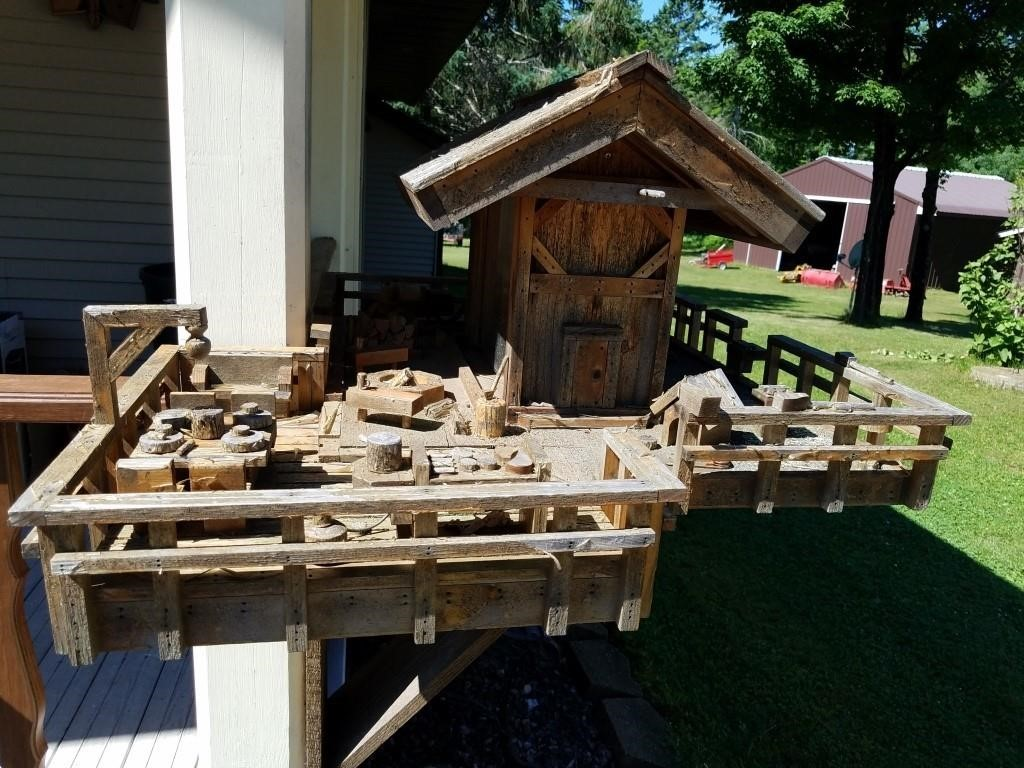 custom made bird feeder plaza wood creative   hibid auctions