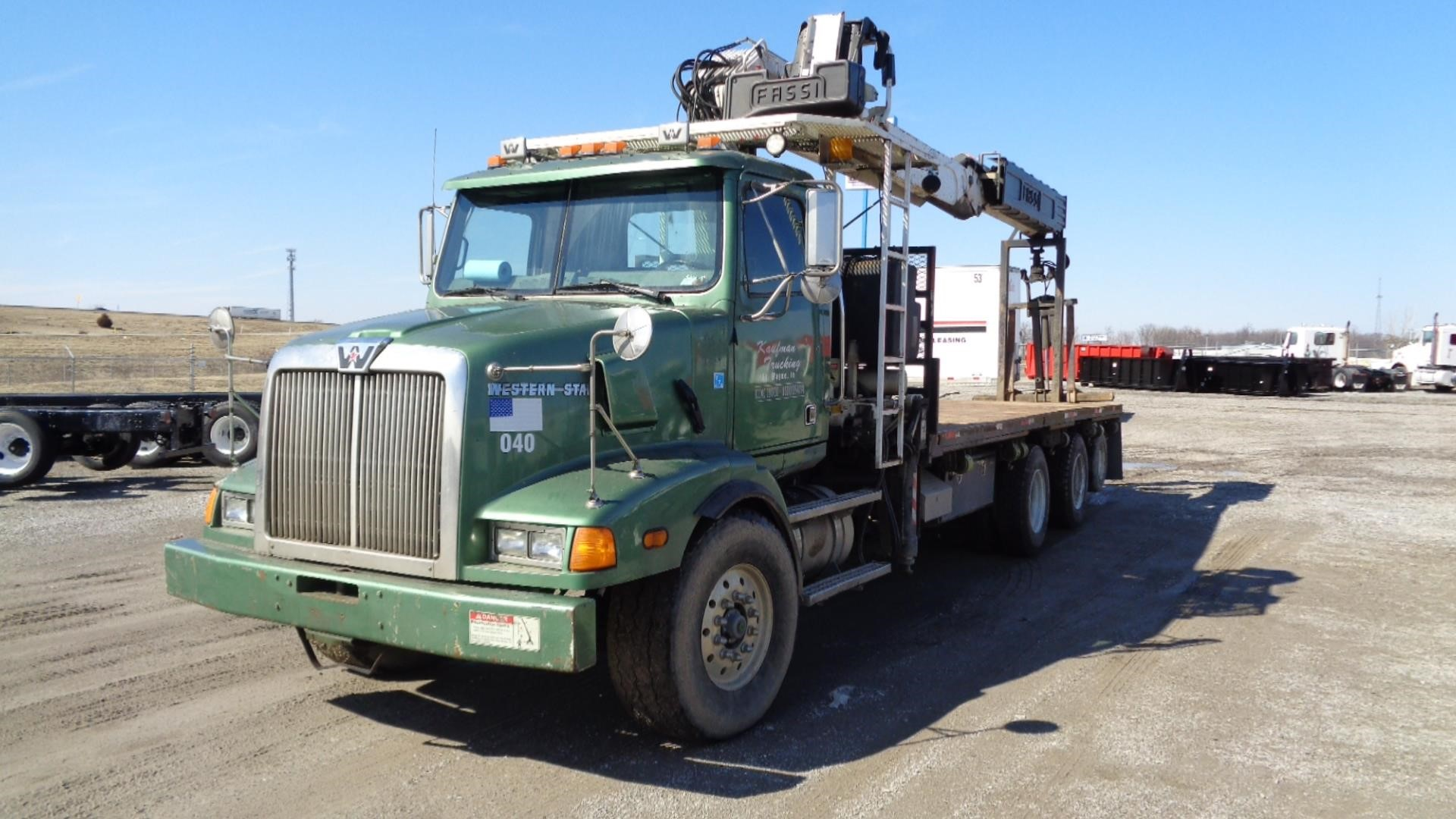 2005 FASSI F330SE 24 MOUNTED ON 2005 WESTERN STAR 4900SA For