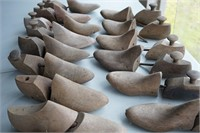 Lot of wooden shoe molds
