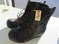 ONLINE BIDDING~Wholesale Glove, Boots, & Misc