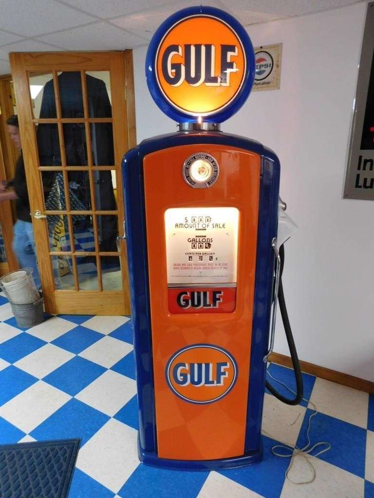 Vintage Gulf Gas Pump (reproduction globe) | HiBid Auctions
