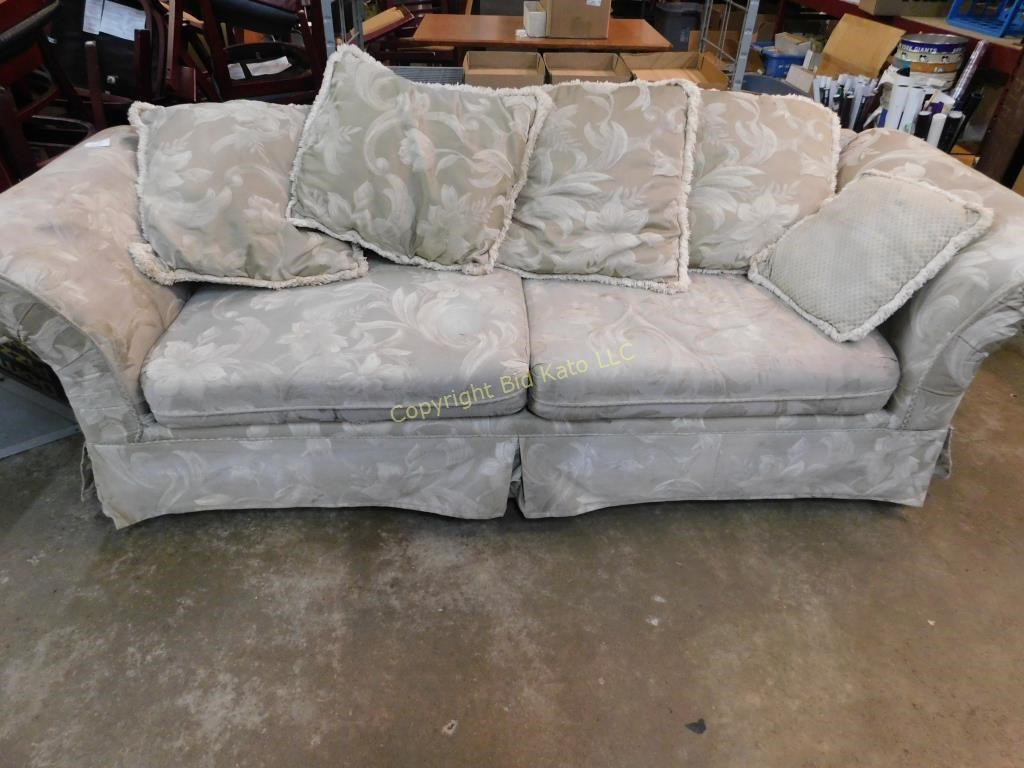 Amazing Victorian Style Sofa Bid Kato Camellatalisay Diy Chair Ideas Camellatalisaycom