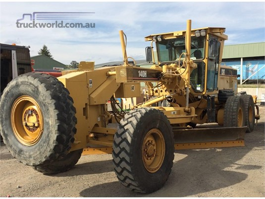 2006 Caterpillar 140H NA - Heavy Machinery for Sale