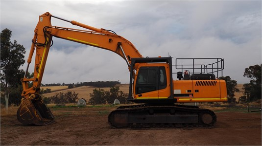 2004 Hyundai Robex 320 LC-7 - Heavy Machinery for Sale